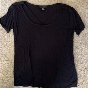 Black T-shirt with detail at neckline